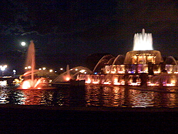 Buckingham Fountain in Chicago, at Night